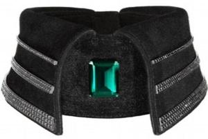 Karl Lagerfeld thiết kế cổ áo giá gần 1 tỷ đồng