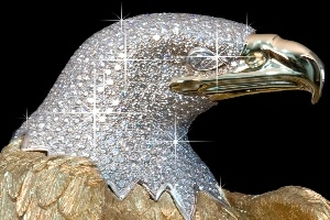 Tượng đại bàng bằng vàng trị giá trăm tỷ