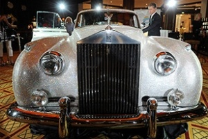 Rolls Royce cổ phủ kín pha lê Swarovski
