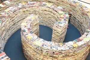 Mê cung sách khổng lồ