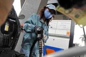 Giá xăng có thể tăng 800 đồng/lít
