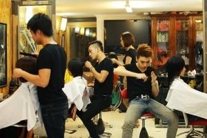 Ngày cắt 6 mái tóc, thu nhập hơn 50 triệu/tháng