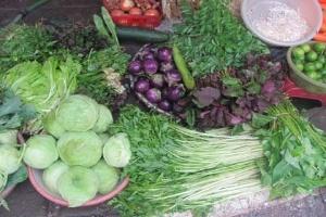 Giá rau xanh tại chợ tăng mạnh