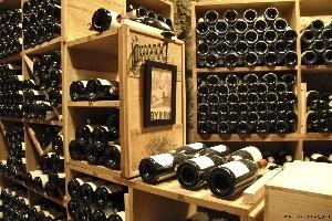 Hầm rượu vang sang trọng giữa Paris