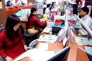 S&P: Rủi ro hệ thống ngân hàng Việt Nam đã giảm