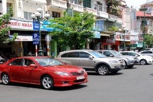 Kiến nghị tăng phí giữ ô tô khu trung tâm TPHCM