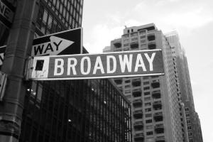 Vì sao nhạc kịch Broadway có giá vé trên trời?