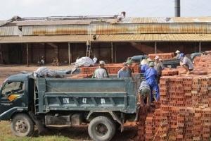 """Dự án Nhà máy gạch tuynel Thái Bình: Cổ đông """"tố"""" DN trốn thuế"""