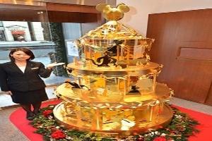 Cây thông Noel làm từ 40kg vàng giá gần 90 tỷ đồng
