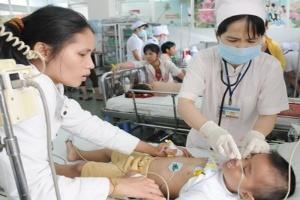 Người Việt phải chi tiền túi cho y tế quá cao