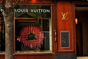 Louis Vuitton kết hợp với S.T. Dupont trong mảng bút viết?