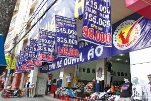 Kinh doanh may mặc:  Nhiều hàng mới giá rẻ vẫn ít khách mua