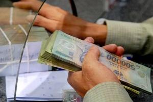 Hàng loạt ngân hàng cắt thưởng Tết