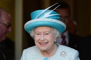 Nữ hoàng Elizabeth II lên truyền hình 3D