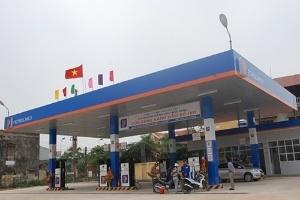 Petrolimex chiếm hơn 57% hạn mức nhập khẩu xăng dầu