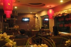 Quán café méo mặt vì khách hàng 'chùa'