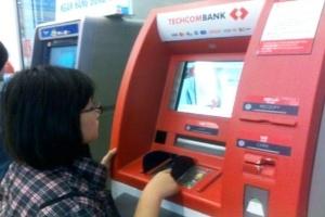 Hàng loạt máy ATM tê liệt ngày