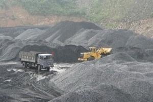 Vinacomin xuất khẩu tấn than đầu tiên của năm mới