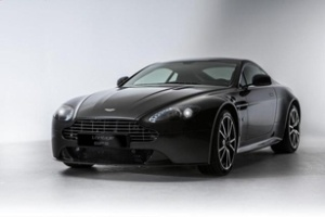 Aston Martin Vantage S lần đầu trang bị số sàn