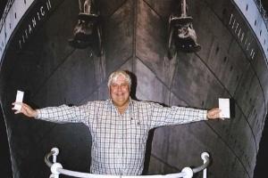 Chi triệu USD để lên bản sao tàu Titanic