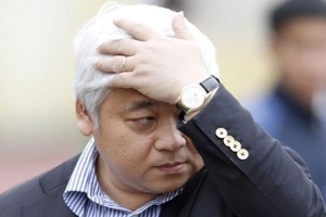 'Niềm tin doanh nghiệp giảm một nửa sau ngày bắt bầu Kiên'