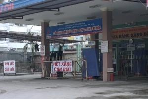 '8 cây xăng Hà Nội ngừng bán vì hết hàng, thiếu tiền'