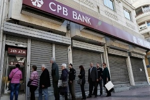 Dân Síp 'khát' tiền mặt
