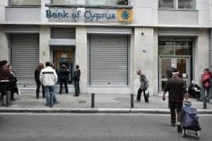 Người dân Síp mất 60% tiền gửi tại các ngân hàng