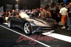 1 triệu USD cho chiếc Corvette Stingray Convertible 2014 đầu tiên
