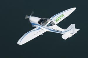 Máy bay điện SportsStar EPOS thực hiện chuyến bay đầu tiên