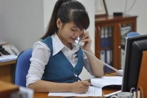 Nhân viên ngân hàng có bầu để tránh thất nghiệp