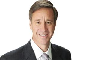 CEO ngoại tộc đầu tiên của Marriott đã được chọn như thế nào?