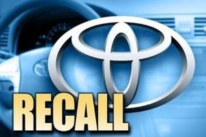 Toyota và Ford đồng loạt công bố triệu hồi xe