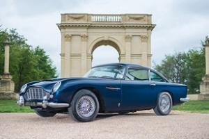 Đấu giá Aston Martin DB5 1965 của điệp viên 007