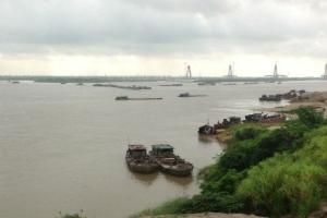 Dự án 25 triệu USD xây dựng trái phép trên sông Hồng