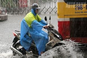 Những điều nên biết khi đi xe máy dưới trời mưa