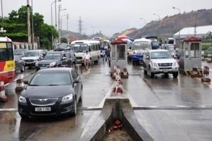 Hà Nội giảm thu phí trước bạ và phí đường bộ