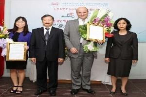 Standard Chartered Việt Nam trở thành hội viên liên kết của VNBA