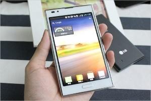 Nhiều lựa chọn smartphone tầm trung giá tốt