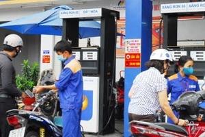 Quỹ bình ổn xăng dầu tồn dư hàng trăm tỷ đồng