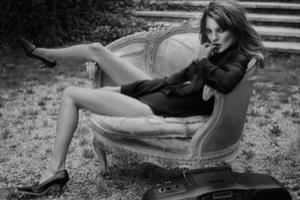 Christie's đấu giá bộ sưu tập ảnh của Kate Moss