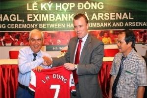 """Doanh nghiệp Việt đón """"hiệu ứng Arsenal"""" thế nào?"""