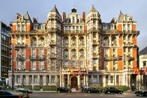 Khách sạn Mandarin Oriental Hyde Park trang hoàng cho mùa Giáng sinh