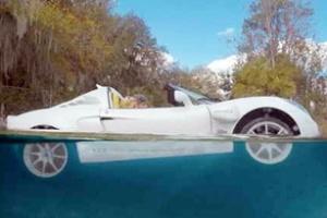 Cách thoát hiểm khi xe rơi xuống nước