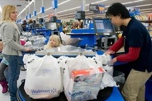Chỉ số niềm tin người tiêu dùng Mỹ bất ngờ tăng mạnh