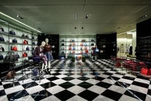 Prada mở thêm cửa hàng ở châu Á