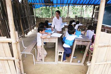 Khởi công 2 ngôi trường từ chương trình Đèn Đom Đóm