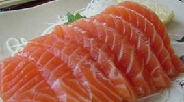 Giá cá hồi tăng vọt sau lũ