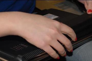 Cách nhận biết thời điểm cần thay pin laptop