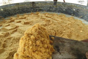 Công ty sản xuất đường cũng phải nhập khẩu đường thô